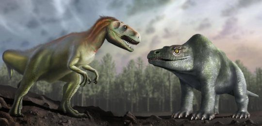 Artist's impression of how Victorian palaeontologists thought the Megalosaurus looked (R) is compared with how we now understand it to have looked (L). Credit: University of Warwick/Mark Garlick